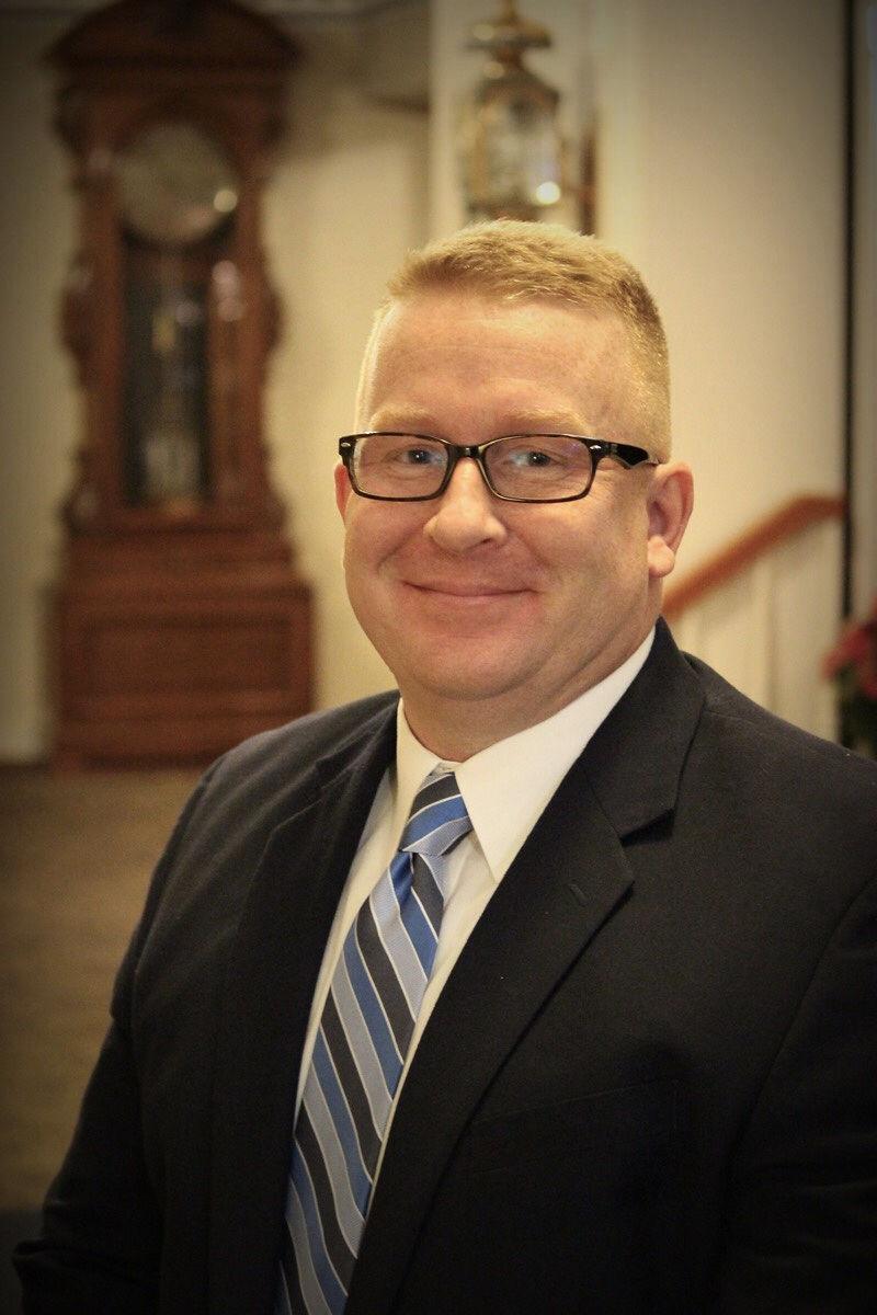 Josh Uitts, Funeral Assistant